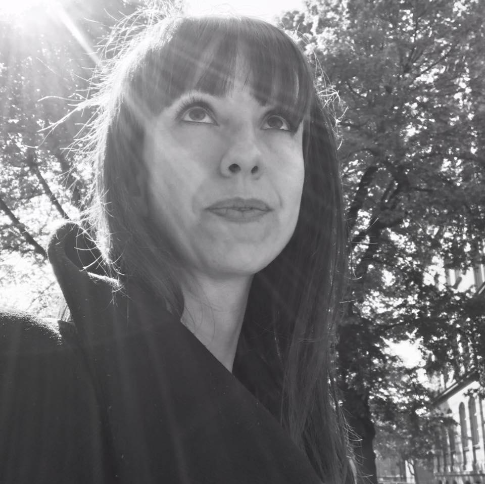 Özlem betreibt den Blog Mamaherz und ist Coach für ratsuchende Mütter